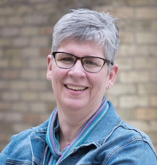 Professor Lisa Duizer